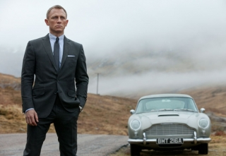 James-Bond-and-his-Aston-Martin