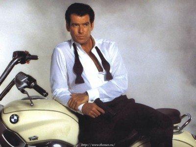 Promofoto von Pierce Brosnan zu DER MORGEN STIRBT NIE © Danjaq 1997